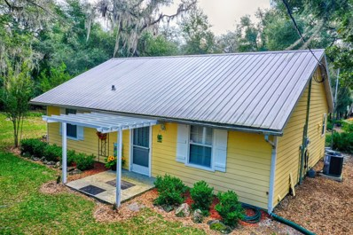 Hawthorne, FL home for sale located at 111 Tomahawk Rd, Hawthorne, FL 32640