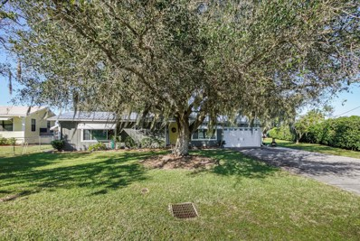 Welaka, FL home for sale located at 168 Beechers Point Dr, Welaka, FL 32193
