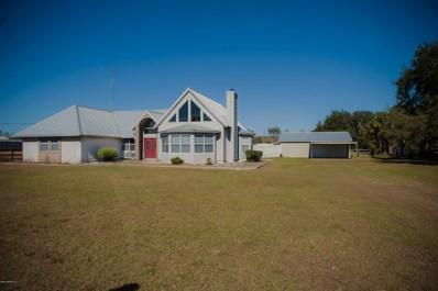 Interlachen, FL home for sale located at 122 Queens Country Rd, Interlachen, FL 32148