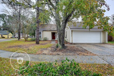 Jacksonville, FL home for sale located at 8337 Chason Rd E, Jacksonville, FL 32244