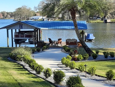 Green Cove Springs, FL home for sale located at 440 Lake Asbury Dr, Green Cove Springs, FL 32043