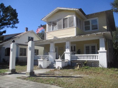 Palatka, FL home for sale located at 300 S 13TH St, Palatka, FL 32177