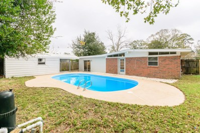 Jacksonville, FL home for sale located at 7631 Rolling Hills Dr, Jacksonville, FL 32221