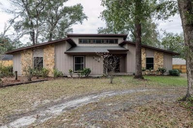 Green Cove Springs, FL home for sale located at 465 Lake Asbury Dr, Green Cove Springs, FL 32043