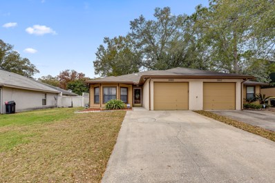 Jacksonville, FL home for sale located at 5565 N Pinebay Cir, Jacksonville, FL 32244
