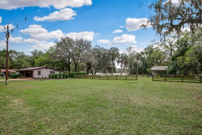 Pomona Park, FL home for sale located at 107 Park Ave, Pomona Park, FL 32181