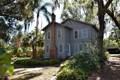 Crescent City, FL home for sale located at 511 N Park St, Crescent City, FL 32112