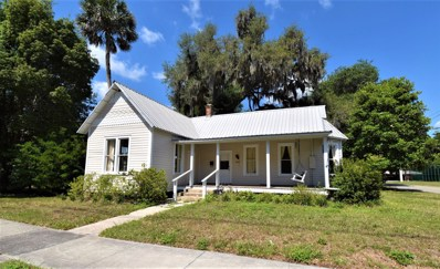 Crescent City, FL home for sale located at 200 S Summit St, Crescent City, FL 32112