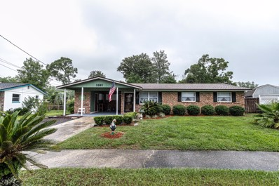 Jacksonville, FL home for sale located at 5915 Triumph Ln W, Jacksonville, FL 32244