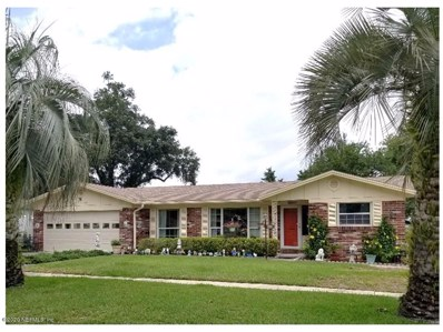 Orange Park, FL home for sale located at 935 Grove Park Dr N, Orange Park, FL 32073