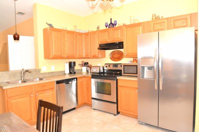 St Johns, FL home for sale located at 157 Southern Bay Dr, St Johns, FL 32259
