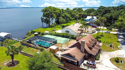 Crescent City, FL home for sale located at 520 N Lake St, Crescent City, FL 32112