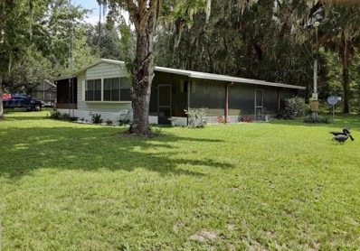 Interlachen, FL home for sale located at 100 Robert Ave, Interlachen, FL 32148