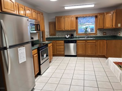 Interlachen, FL home for sale located at 105 Orange Rd, Interlachen, FL 32148