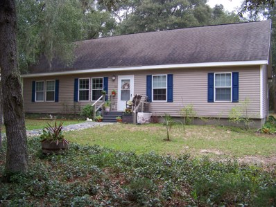 Interlachen, FL home for sale located at 114 Pine St, Interlachen, FL 32148