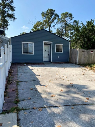 Jacksonville, FL home for sale located at 10716 Kusaie Dr, Jacksonville, FL 32246