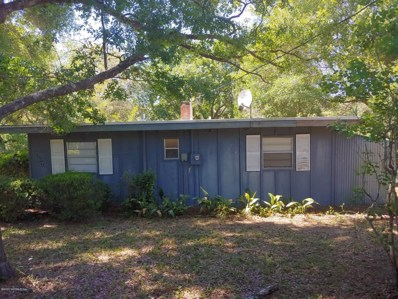 Interlachen, FL home for sale located at 1707 Twin Lakes Blvd, Interlachen, FL 32148