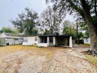 Jacksonville, FL home for sale located at 5201 Janice Cir S, Jacksonville, FL 32210