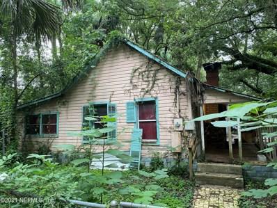 Interlachen, FL home for sale located at 319 W Keuka Lake Trl, Interlachen, FL 32148