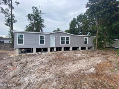 Interlachen, FL home for sale located at 133 Oak Cir, Interlachen, FL 32148