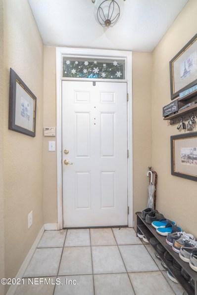 Jacksonville, FL home for sale located at 13700 Richmond Park Dr N UNIT 104, Jacksonville, FL 32224