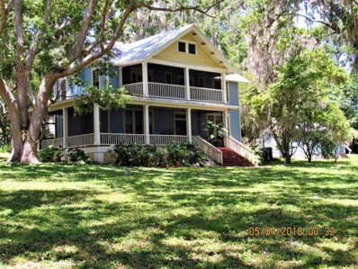 Crescent City, FL home for sale located at 405 S Prospect St, Crescent City, FL 32112