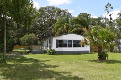 Crescent City, FL home for sale located at 451 Union Ave, Crescent City, FL 32112