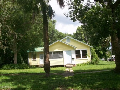Crescent City, FL home for sale located at 302 Palmetto Ave, Crescent City, FL 32112