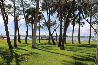 St Augustine, FL home for sale located at 118 Pelican Reef Dr, St Augustine, FL 32080