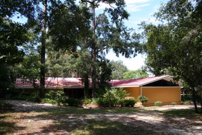St Augustine, FL home for sale located at 524 Vaill Point Rd, St Augustine, FL 32086