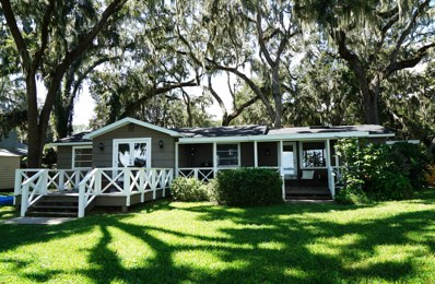 Fleming Island, FL home for sale located at 7632 River Ave, Fleming Island, FL 32003