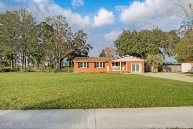 Orange Park, FL home for sale located at 931 Grove Park Dr N, Orange Park, FL 32073
