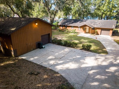 Interlachen, FL home for sale located at 403 Yawn Ave, Interlachen, FL 32148