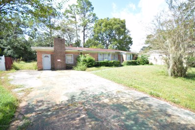 Jacksonville, FL home for sale located at 8340 Earl Cir W, Jacksonville, FL 32219