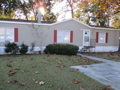 St Augustine, FL home for sale located at 425 Treaty Oak Ln, St Augustine, FL 32092