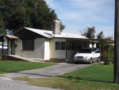 Crescent City, FL home for sale located at 900 Oakwood St, Crescent City, FL 32112