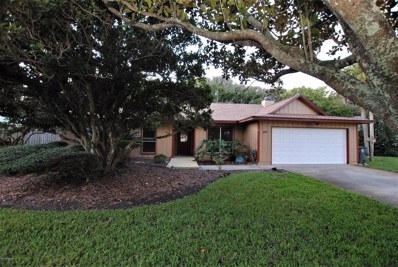 Atlantic Beach, FL home for sale located at 1892 Sea Oats Dr, Atlantic Beach, FL 32233