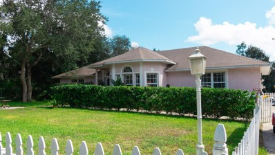 St Augustine, FL home for sale located at 570 Ruba Rd, St Augustine, FL 32086
