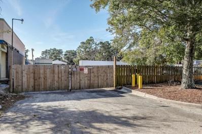 Jacksonville, FL home for sale located at 551 Balmoral Cir N, Jacksonville, FL 32218