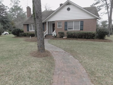 Waycross, GA home for sale located at 1613 Camellia Dr, Waycross, GA 31501
