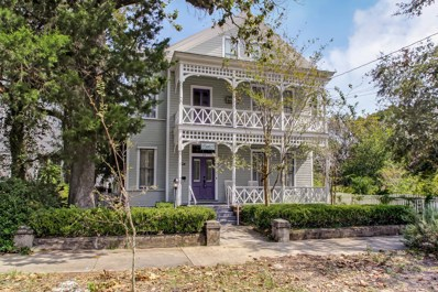 14 S 7TH St, Fernandina Beach, FL 32034 - #: 984160