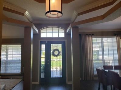 Jacksonville, FL home for sale located at 552 Summer Breeze Dr, Jacksonville, FL 32218