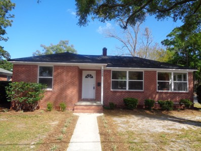 Jacksonville, FL home for sale located at 1725 Bartram Cir E, Jacksonville, FL 32207