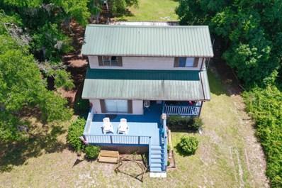 Interlachen, FL home for sale located at 886 Lake Shore Ter, Interlachen, FL 32148