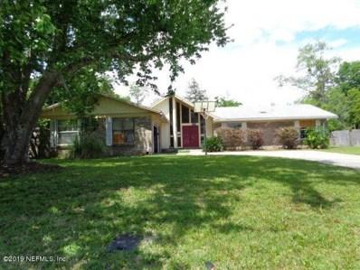Orange Park, FL home for sale located at 832 Maplewood Ln, Orange Park, FL 32065