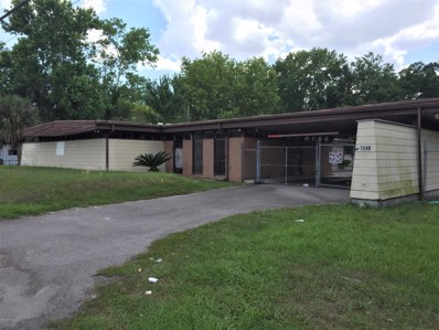 Jacksonville, FL home for sale located at 7240 Lem Turner Cir, Jacksonville, FL 32208