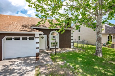 Jacksonville, FL home for sale located at 11425 Skimmer Ct, Jacksonville, FL 32225