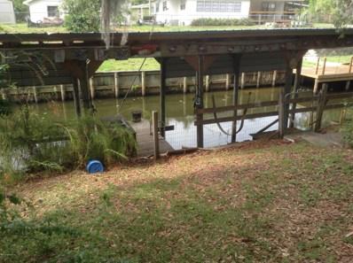 Satsuma, FL home for sale located at 424 Cove Dr, Satsuma, FL 32189