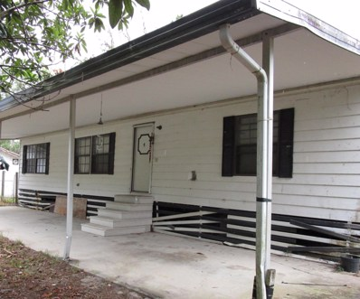 Hawthorne, FL home for sale located at 241 Bay St, Hawthorne, FL 32640