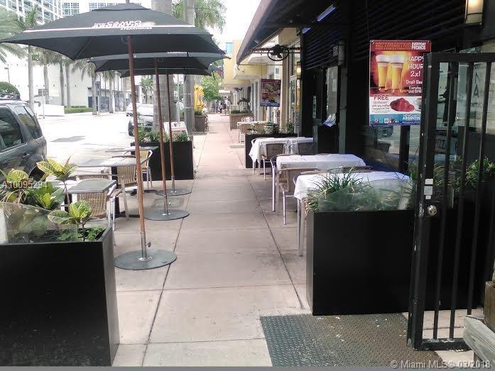 Collins, Miami Beach, FL 33141
